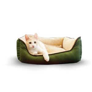 K&H's Self-Warming Lounge Sleeper Pet Bed