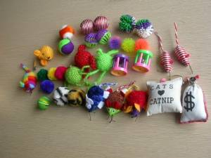 Grab bag assorted 20 pieces cat toys bag